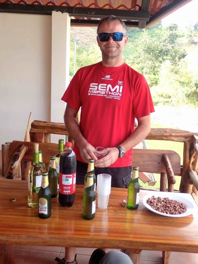 Eric celebrates cycling 25,000km in 10 months (Photo and caption credit: Sue's blog)