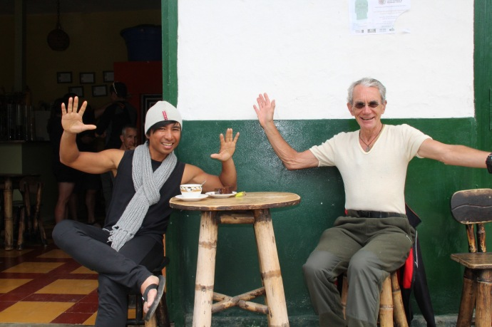 Same coffee shop in San Augustin ( Asha from USA and PHil NZ)