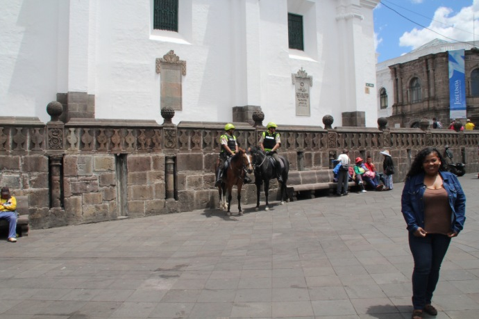 Policia on horses