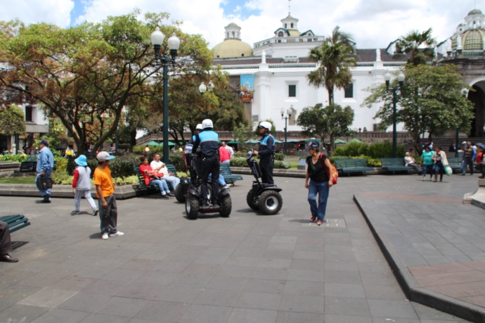 Policia on segways