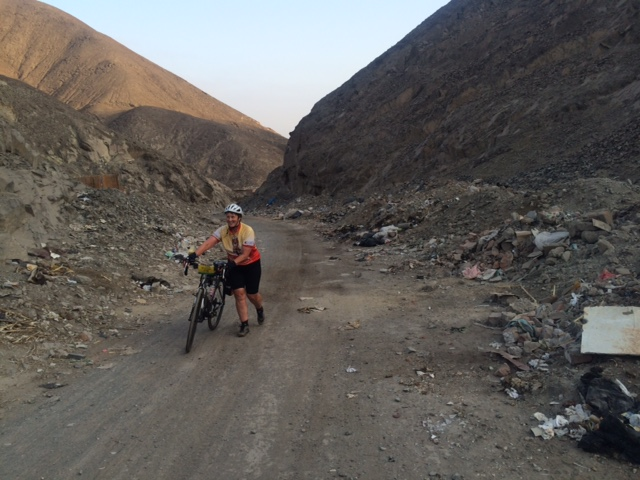 Making my way through the rubbish on the backroad from Bermejo Beach to Lomas de Lachay