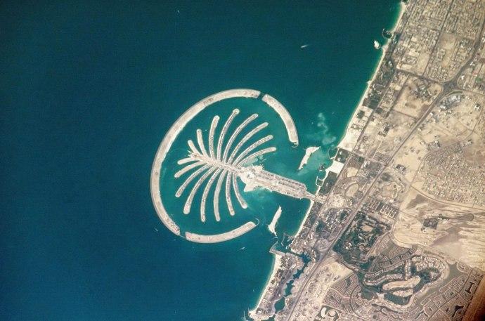 1280px-Palm_Island_Resort